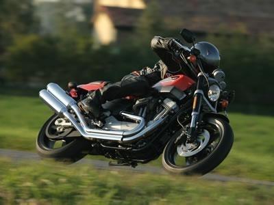 Harley Davidson : la XR 1200 arrive et donne son tarif