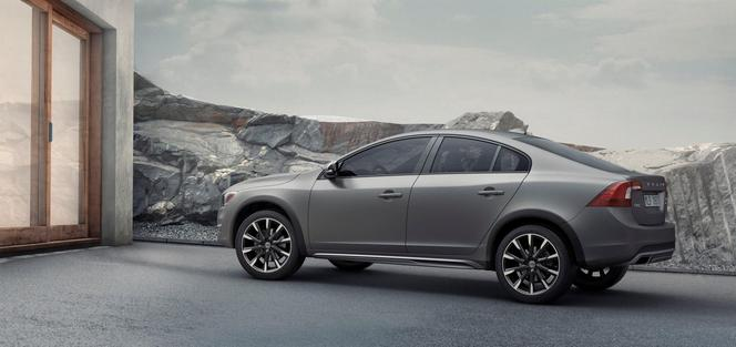 Volvo dévoile la S60 Cross Country