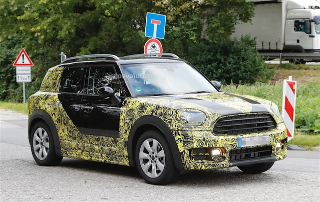 Surprise : le futur Mini Countryman se montre en Allemagne