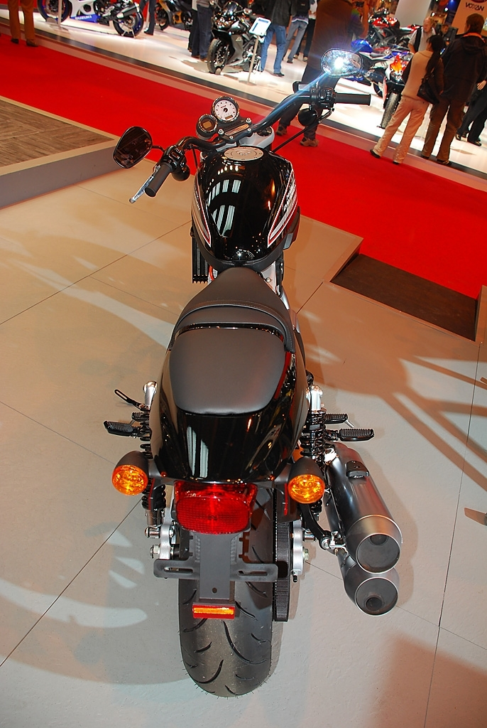 Salon de la Moto 2007 en direct : XR 1200, le premier roadster sportif de la marque
