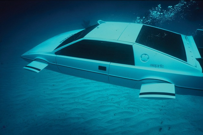 La patron de Tesla veut rendre fonctionnelle la Lotus Esprit sous-marine  de James Bond