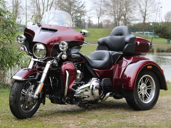 Photo HARLEY DAVIDSON TRI GLIDE