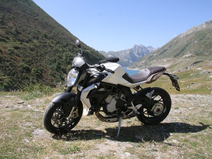 Photo MV AGUSTA BRUTALE