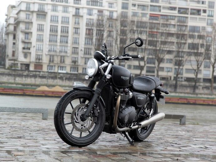 Photo TRIUMPH STREET TWIN