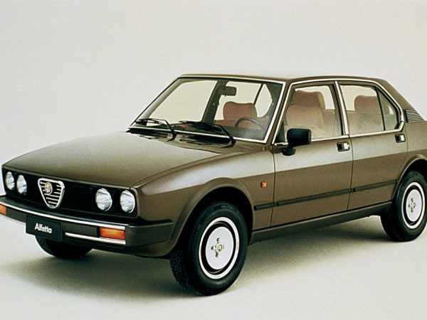 Photo alfa romeo alfetta 1983