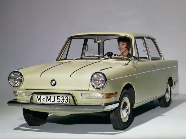 Photo BMW 700