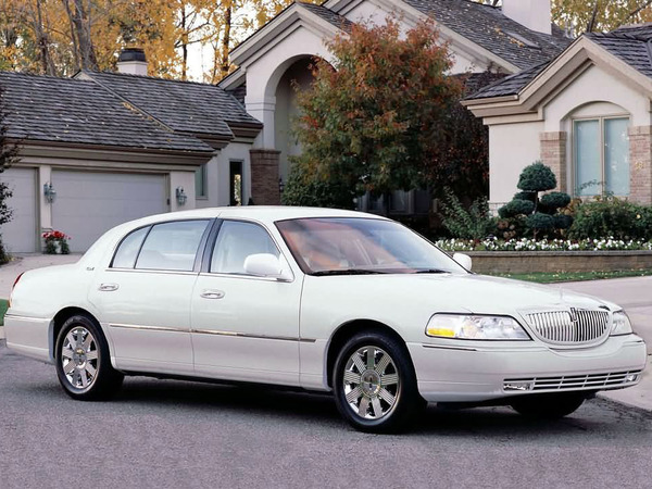 Photo LINCOLN TOWN CAR