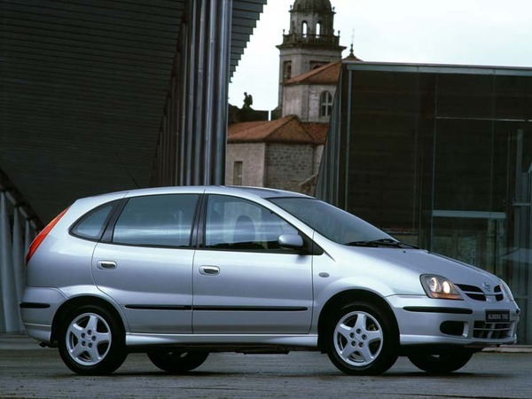 Photo nissan almera tino 2003