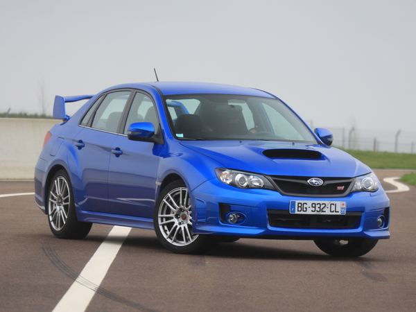 Photo subaru wrx sti 2008