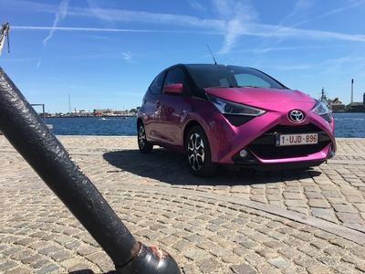 la nouvelle toyota aygo lanc e en belgique 103 g co2 km. Black Bedroom Furniture Sets. Home Design Ideas