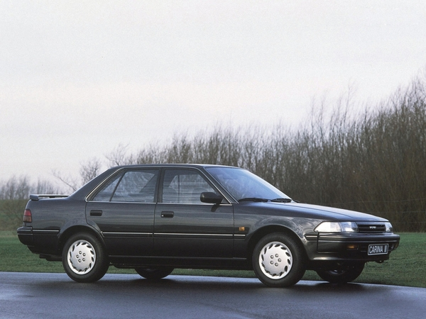 Photo TOYOTA CARINA II
