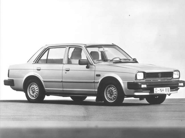Photo TRIUMPH ACCLAIM