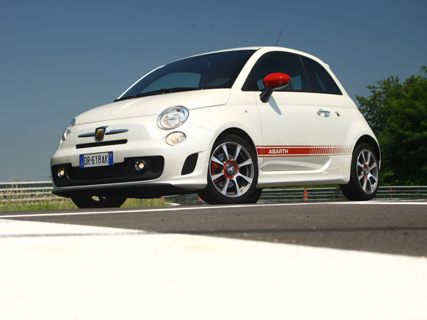 abarth 500 2e generation essais fiabilit avis photos vid os. Black Bedroom Furniture Sets. Home Design Ideas