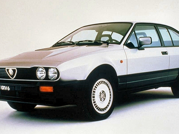 Photo alfa romeo alfetta 1981
