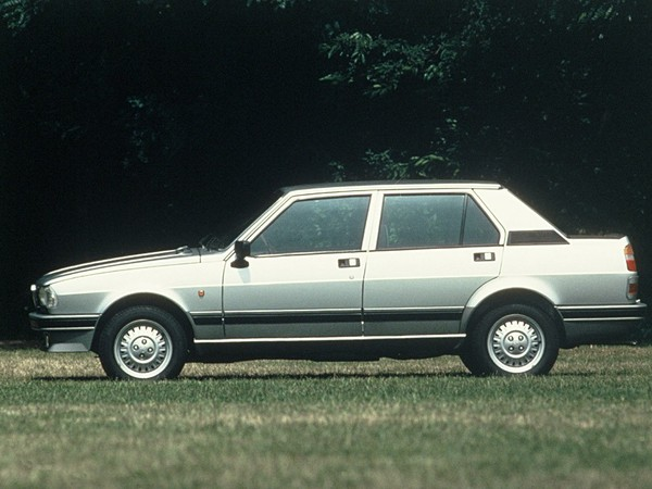 Photo alfa romeo giulietta 1986
