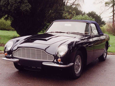 l 39 une des deux derni res aston martin db6 shooting brake est vendre. Black Bedroom Furniture Sets. Home Design Ideas