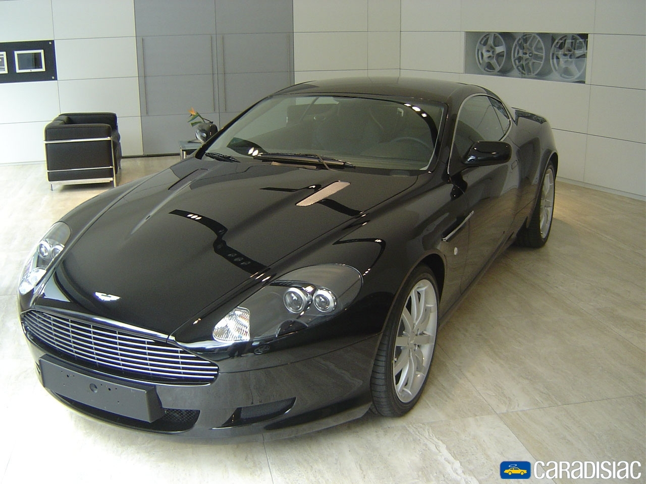 aston martin db9 essais fiabilit avis photos prix. Black Bedroom Furniture Sets. Home Design Ideas