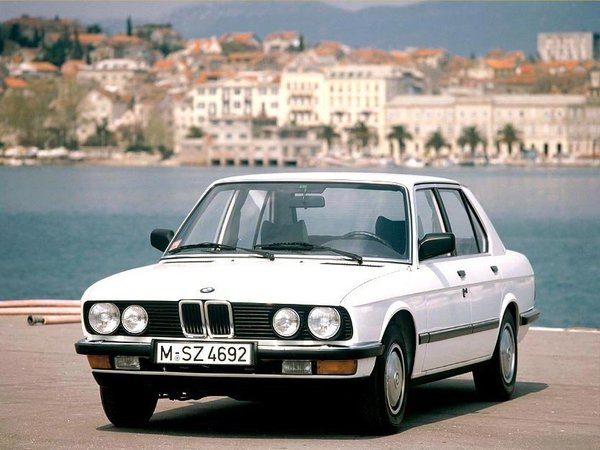 bmw serie 5 e28 essais fiabilit avis photos vid os. Black Bedroom Furniture Sets. Home Design Ideas
