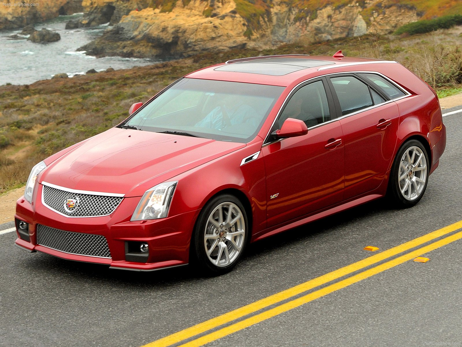 cadillac cts v 2 sport wagon essais fiabilit avis photos vid os. Black Bedroom Furniture Sets. Home Design Ideas