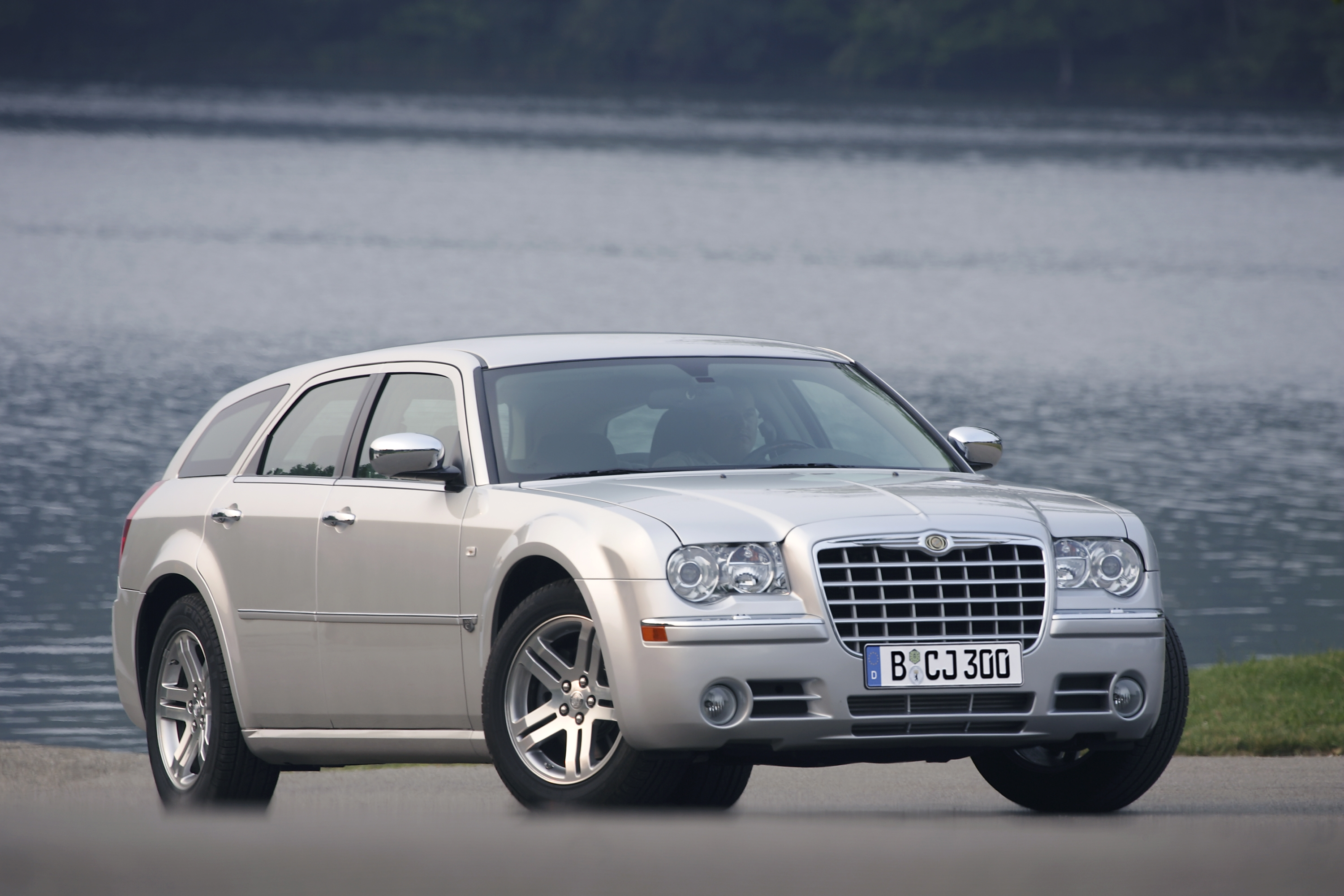 chrysler 300 c touring essais fiabilit avis photos vid os. Black Bedroom Furniture Sets. Home Design Ideas