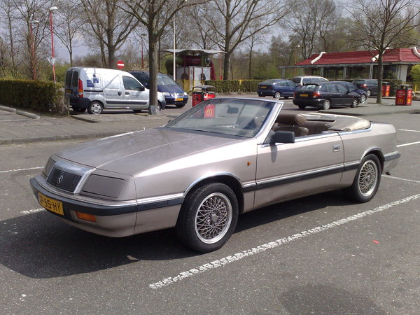 Photo chrysler lebaron 1993