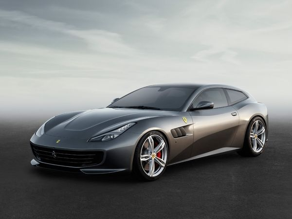 Photo ferrari gtc4lusso