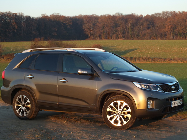 kia sorento 2 essais fiabilit avis photos vid os. Black Bedroom Furniture Sets. Home Design Ideas