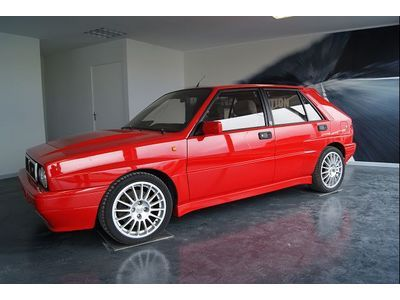 fiche technique lancia delta 2 0 t 211 hf integrale 1992 la centrale. Black Bedroom Furniture Sets. Home Design Ideas