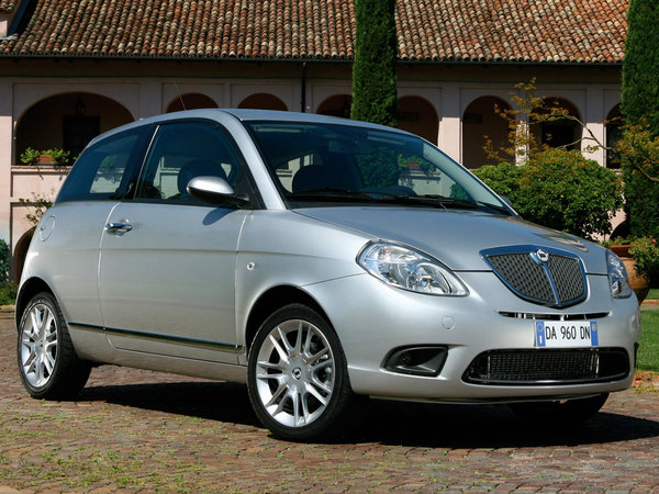 Photo lancia ypsilon 2011