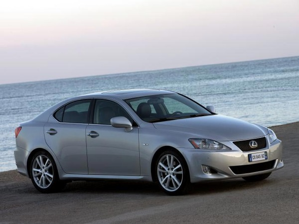 Photo lexus is 2009