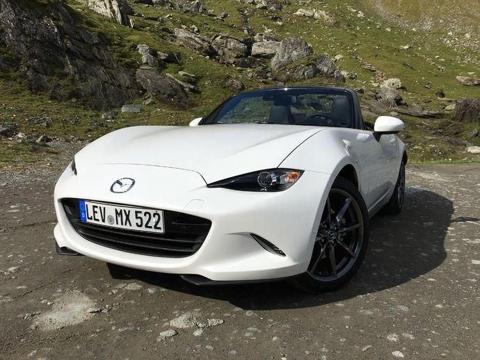 mazda mx5 4 places id e d 39 image de voiture. Black Bedroom Furniture Sets. Home Design Ideas