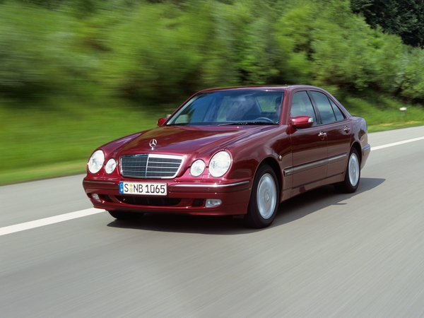 Photo mercedes classe e 1996
