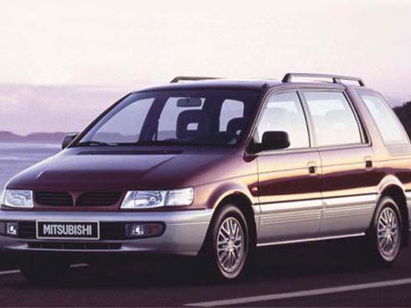 Photo mitsubishi space wagon 1990