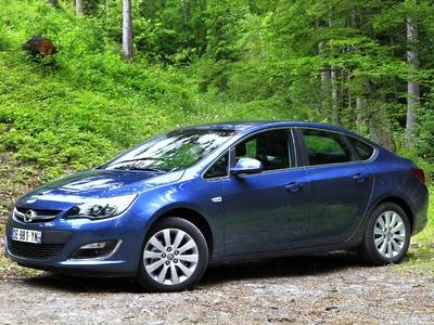 Opel Astra 4 Berline
