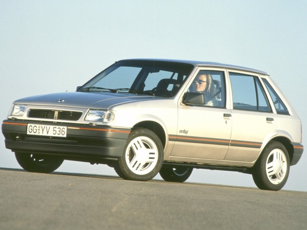 Photo opel corsa 1987
