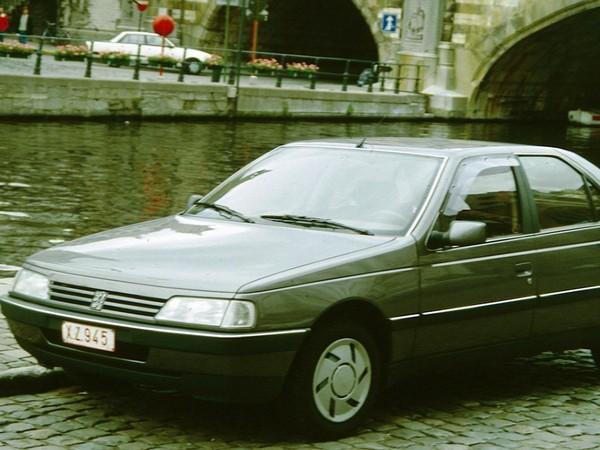Peugeot 405 —