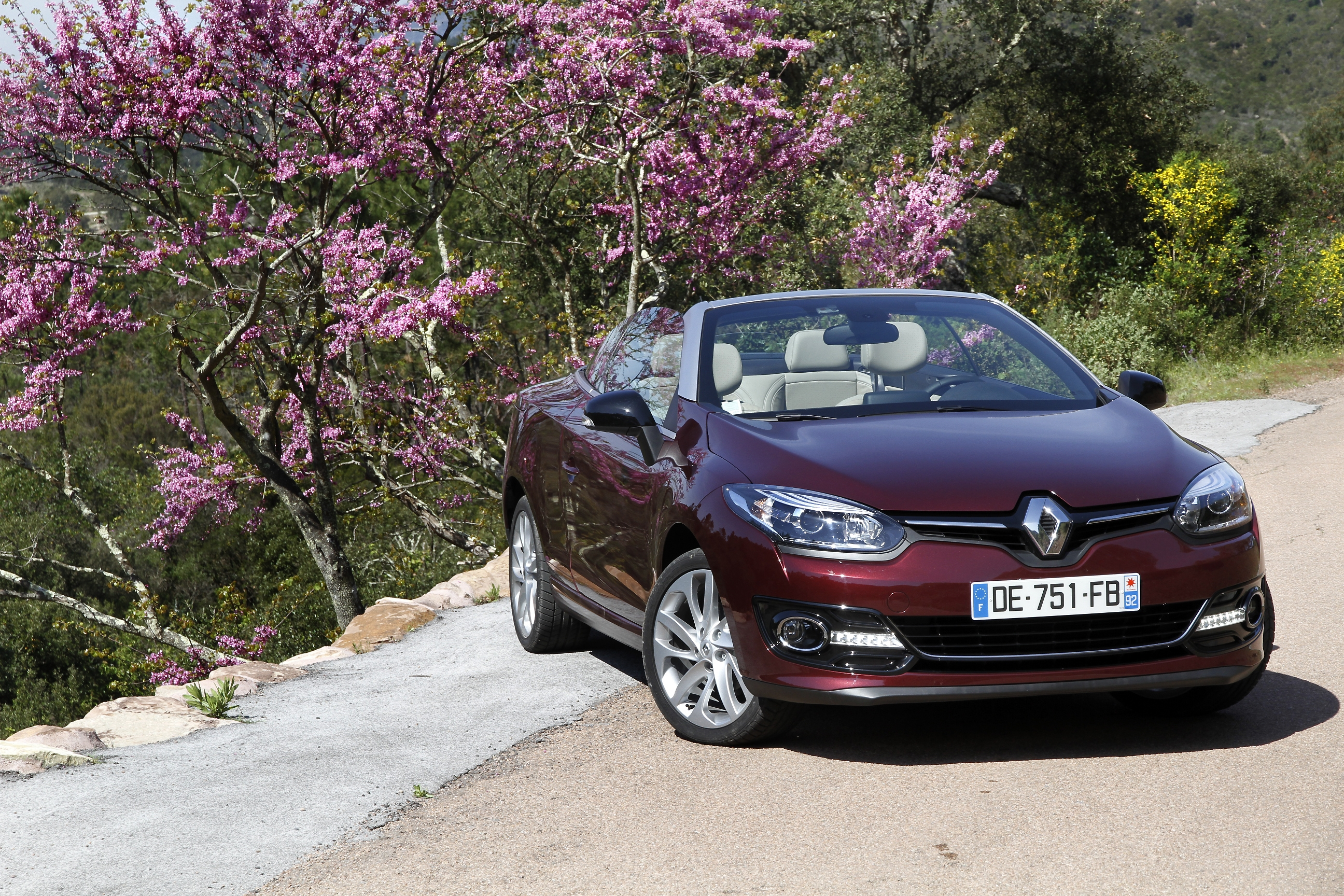 renault megane 3 coupe cabriolet essais fiabilit avis photos vid os. Black Bedroom Furniture Sets. Home Design Ideas