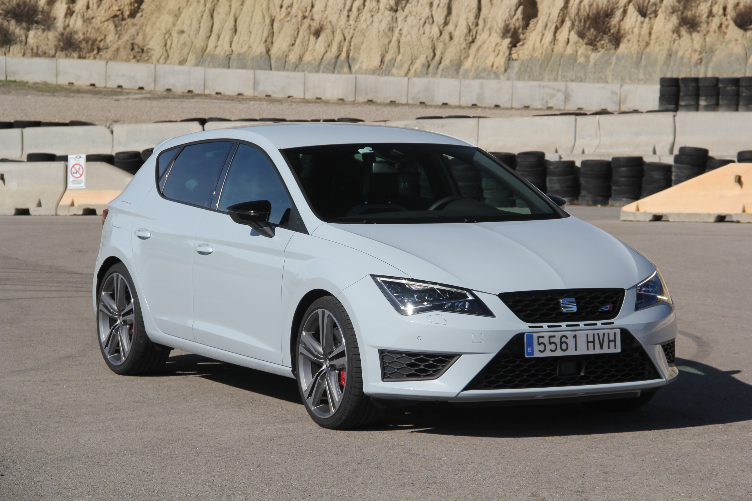 seat leon 3 cupra essais fiabilit avis photos prix. Black Bedroom Furniture Sets. Home Design Ideas
