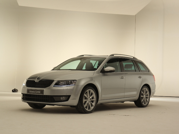fiche technique skoda octavia iii combi 1 4 tsi 140 green tec ambition dsg7 2013 la centrale. Black Bedroom Furniture Sets. Home Design Ideas