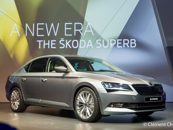 Photo skoda superb 2018