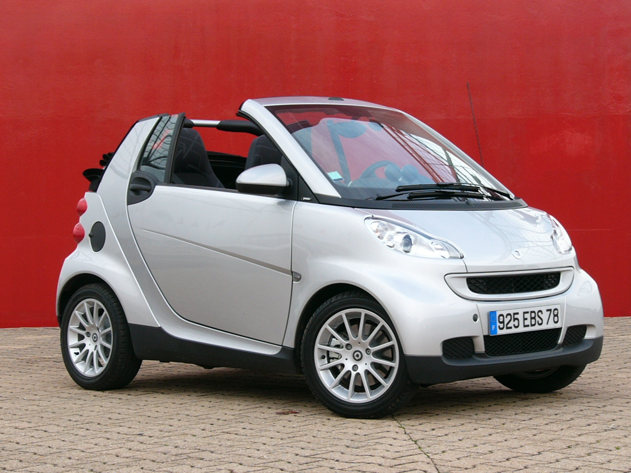 smart fortwo cabriolet. Black Bedroom Furniture Sets. Home Design Ideas