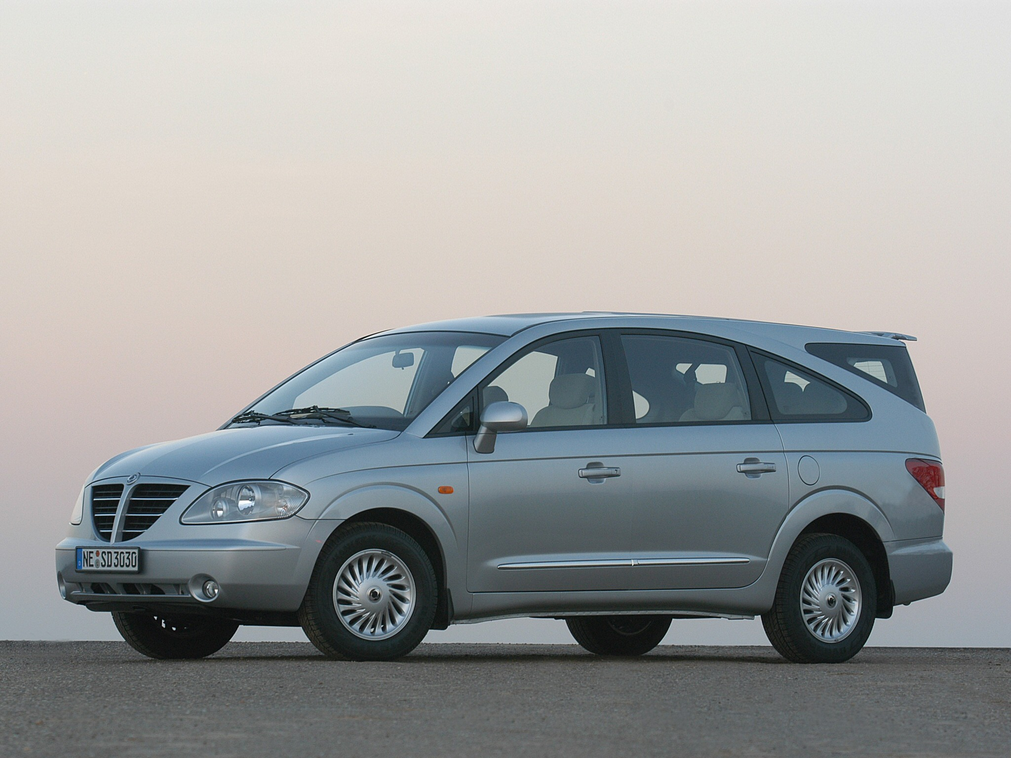 S0-modele--ssangyong-rodius