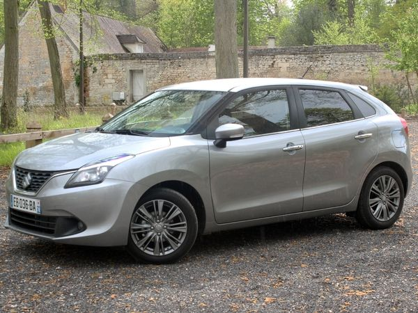 Photo SUZUKI BALENO