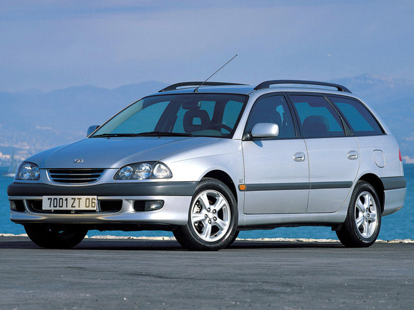 Photo toyota avensis 1999