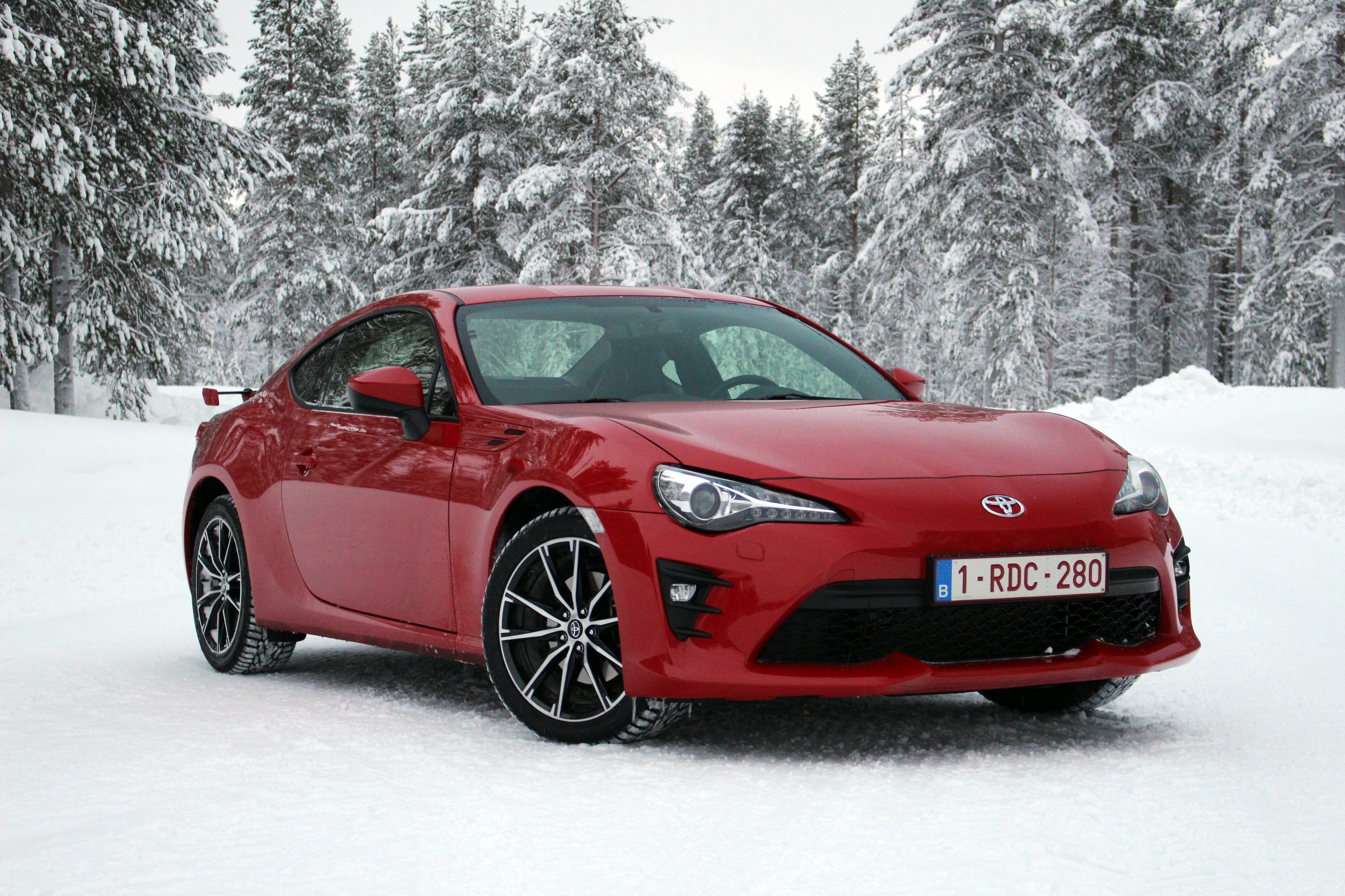 toyota gt 86 prix reunion car design today. Black Bedroom Furniture Sets. Home Design Ideas