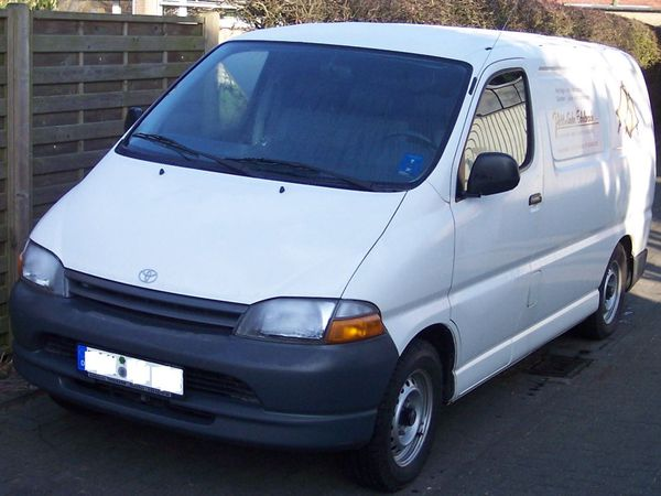 Photo toyota hi ace 2005