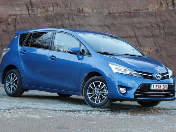 Photo toyota verso 2010
