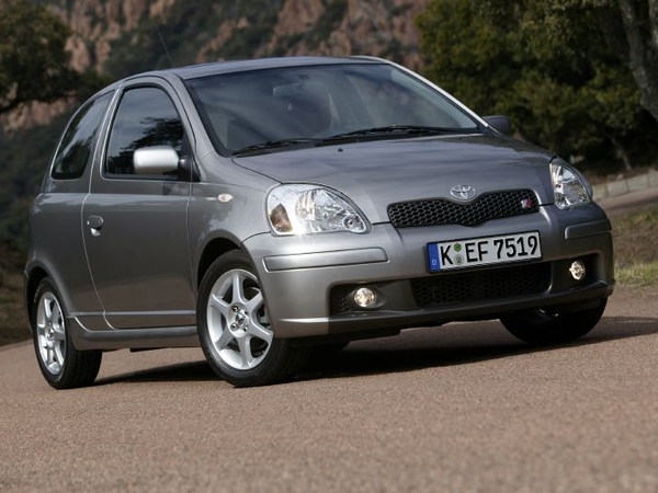 Photo toyota yaris 2001