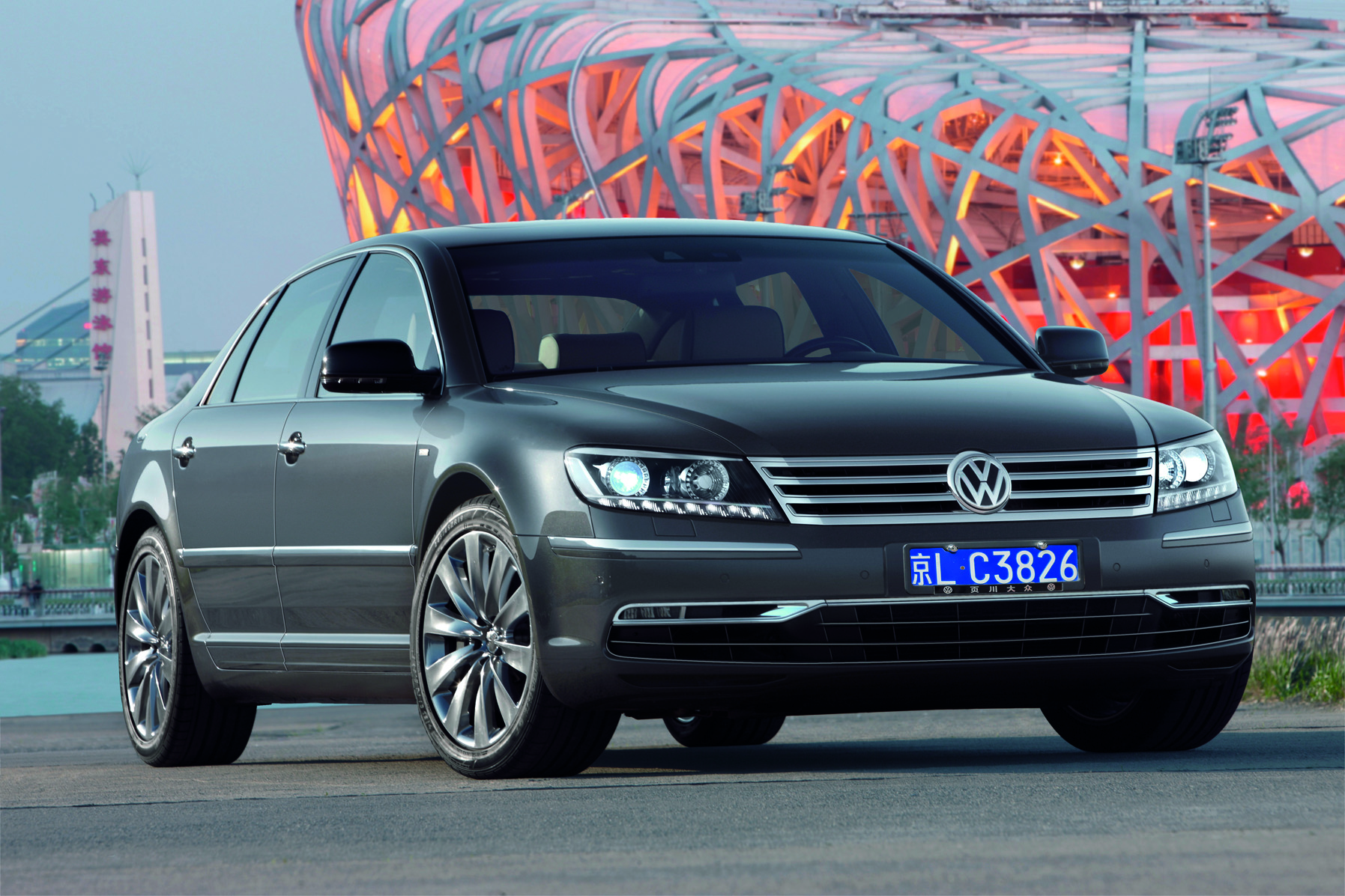 volkswagen phaeton 2 essais fiabilit avis photos prix. Black Bedroom Furniture Sets. Home Design Ideas
