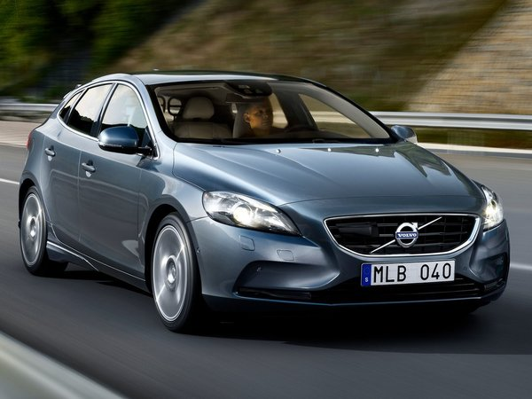volvo v40 2e generation essais fiabilit avis photos vid os. Black Bedroom Furniture Sets. Home Design Ideas